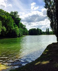 englischergarten-lake-munich